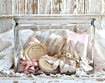 Vintage Shabby Chic Lovely.......Clear Glass Battery Jar