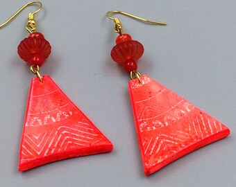 Earrings, triangles, Orange, batik, polymer clay effect.