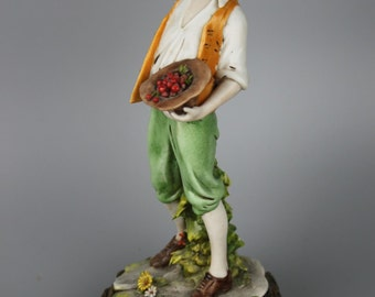 Capodimonte Benacchio Figurine Boy Eating Cherries
