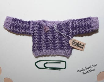 1:12 hand purple with lilac sweater
