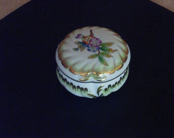 Porcelain, Trinket Box- Dish, Herend Porcelain Hungary Queen Victoria Pattern