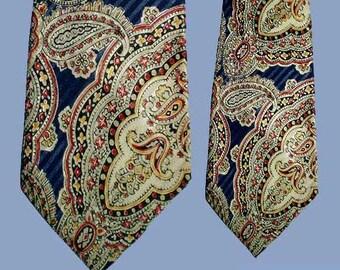 Vintage 40s Wide Tie Paisley Rayon NOS