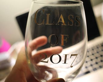 Class of 2018 15 Oz. Stemless Wine Glass | Graduation Parties | Graduation Gift | College and High School Celebrations | Valentine Gift |