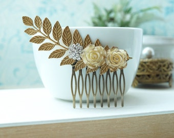 Large Gold Leaf Comb, Ivory Gold Roses Leaf Comb. Rustic Gold Comb, Rhinestone Bridal Comb, Gold Wedding Comb, Vintage Rhinestone Rose Comb,