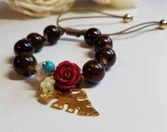 Leaf bracelet with pearls