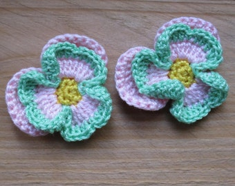 set of 2 pansies flowers yellow, pale pink and green crochet