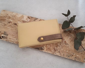 Kandy, leather card holder