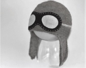 Ready to ship Newborn size aviator hat in grey color  - Baby Pilot hat - Aviator hat with goggles - Pilot knit hat - Photography prop