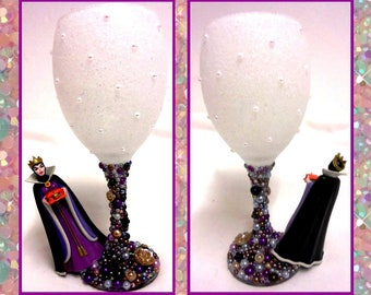 Evil Queen Disney Inspired Glitter and Pearl Wine Glass ~ Snow White & the Seven Dwarfs