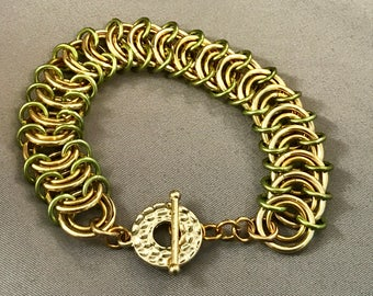 Gold with Lime Accents in Vertebrae Weave