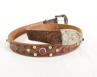 Vintage 70's Tooled Leather Southwestern Belt. Size Small