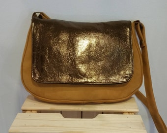 Cognac leather Messenger bag and flap old gold