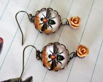 Bumble bee Dangle earring