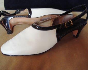 "60s High Fashion ""Delman"" Design Copy Cream Kid Patent Trim Mid- Heel Pump Size 6 1/2 N Item #57 Shoes"