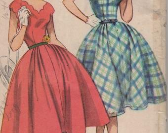 Bust 30-1950's Teen Age Dress Simplicity 3902 Size 12