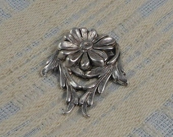 LuxeOrnaments Sterling Silver Plated Brass Filigree Daisy Flower Focal 40x33mm (1 pc) F-A3757-S