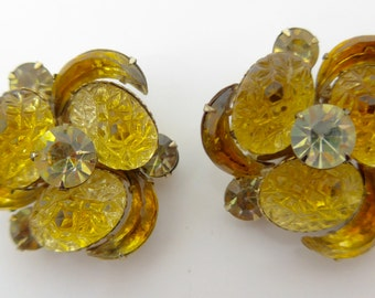Vintage 1950s Very Large Glittering Yellow Gold Glass Paste Earrings - Unsigned Beau Jewels Clip On Earrings