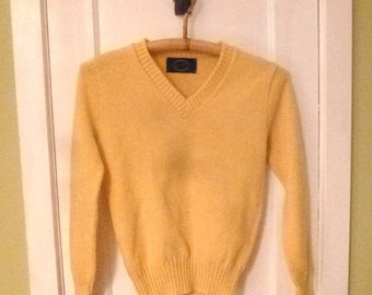 Vintage YELLOW JANTZEN Wool SWEATER