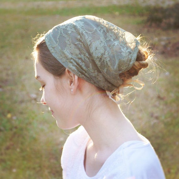 Soft Fern Green Lace Convertible Head Cover | Veil for Mass Veil with Ties Catholic Chapel Veil Mantilla Green Veil Robin Nest Lane Lace