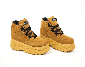 90s Platform Shoes Size 41 (US 10) - Vintage Club Kid Platform Sneaker Boots Deadstock