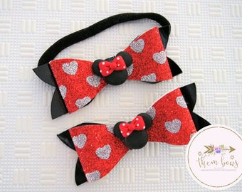 Minnie Mouse-inspired hair bow- Disney Inspired - polymer clay cabochon - glitter and patent leather - nylon elastic headband or clip