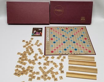 Vintage 1976 Scrabble Board Game (A) VG box