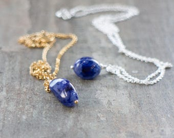 Raw Sapphire Necklace, Gift for Her, Gift for Mom, Crystal Necklace, Blue Sapphire Pendant, Birthday Gift, September Birthstone Necklace