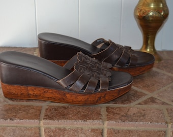 Get 15% off with code NEW15 vintage brown leather wedge Sandals / made in Brazil as new!    39EUR 7 US