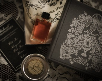 Midwest Moongarden - natural floral perfume with notes of iris, honeysuckle, white rose, and valerian - botanical perfume oil