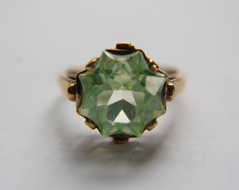 1940s Green Spinel Ring in 10k Rosy Gold Size 6 3/4