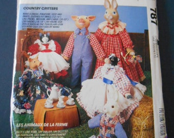 McCalls 787, Easter Bunny doll clothes