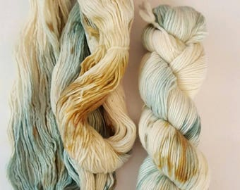 Merino Wool Single Ply Worsted Weight Tonal Hand Dyed TIDE POOLS