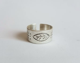 Minimal ring band, hand stambed ring, adjustable ring, leaf stamp, every day ring
