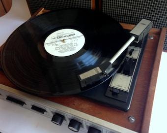 "Turntable ,vinyl record player ,technics turntable, Record player, vinyl record, Working Turntable , working record player, ""accord 201"""