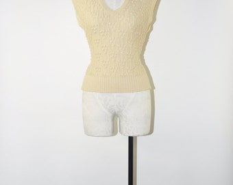 1970s cropped sweater / 70s cream cable knit vest / vintage tan sleeveless jersey