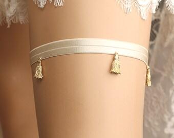 wedding garter, bridal garter, lace garter, gold garter, beaded garter, toss garter, bridal accessories,