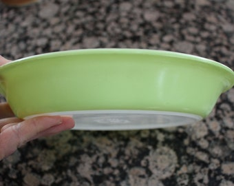 Lime Green Bakeware pie plate by Pyrex #909