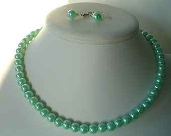 Single Strand Mint Green Pearl Beaded Necklace and Earring Set    Great Brides or Bridesmaid Gifts