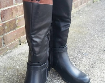 Monogrammed boot. Rider boot. 2 tone
