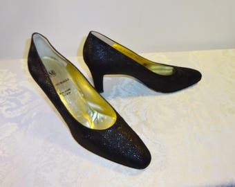 Vintage Bruno Magli Black Pumps Shoes Size 8 1/2 AA Embossed Leather