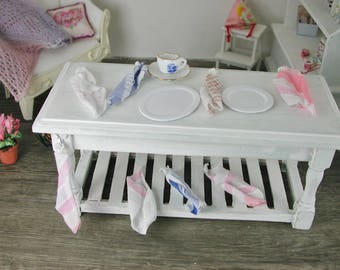 Dollhouse Miniatures, tableware towel blue/white in miniature for the doll's room, scale 1zu12 for the doll house