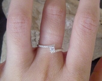 SALE! Round Solitaire ring, Engagement Ring,Traditional wedding Ring,crystals Ring,Promise Ring,Silver Ring