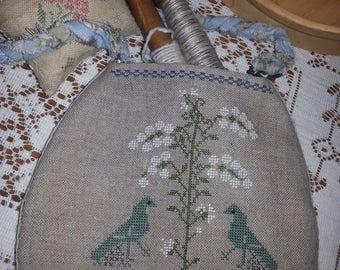 Prim cross stitch sewing pouch