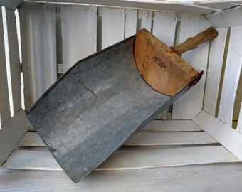 Vintage large metal scoop with wooden handle Primitive kitchen utensil Industrial flour grain scoop Farmhouse shabby decor