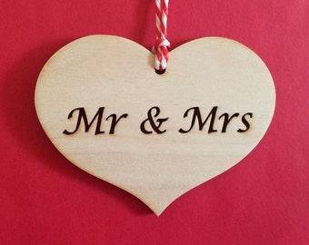 Wooden Heart - Mr & Mrs