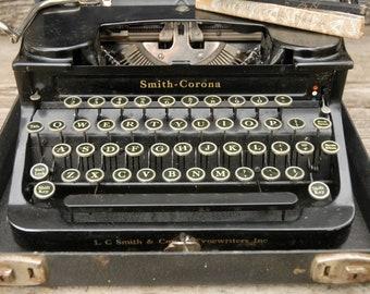 Smith Corona Standard Travel typewriter, Vintage typewriter,