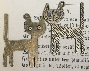 Cat charms pendant  bronze color  quantity 2    jewelry findings   G6 supplies