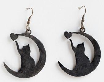 Cat on the Moon playin whith Heart earrings  - Cat lovers Woodcut earrings Hippie Boho Style