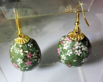Real Parrot Egg Earrings,  Washi Paper,  Decorative   Earrings,  Sterilized Parrot Eggs (2086)