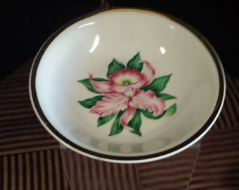 Dessert/Berry Bowl; 22 k Gold Trim; Mid Century Padon City Pottery; MODERN ORCHID; 1950s, Made in USA
